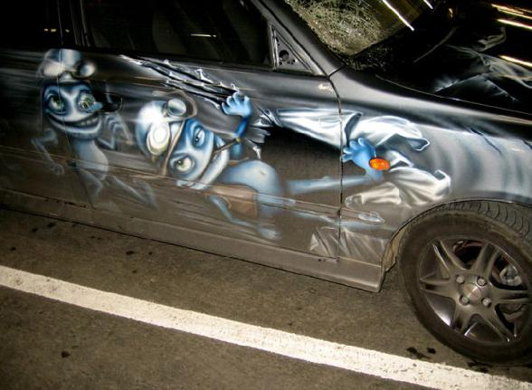 La voiture de Crazy Frog a eu un accident lol - crazy frog car