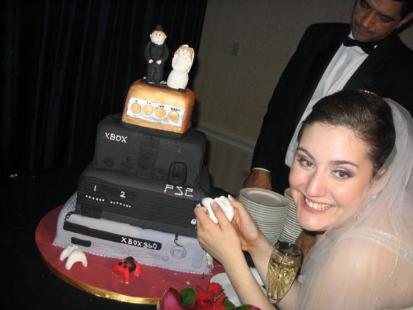 Le gateau de mariage d un geek - geek marriage